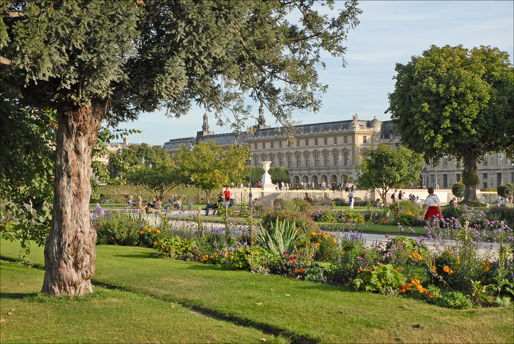 Viajes en familia par s la torre eiffel los jardines y for Jardin jardin tuileries