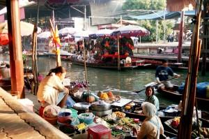 Mercado flotante. Autor caroline keyzor de Flickr.