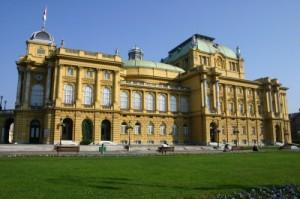 Teatro Nacional de Zagreb. Autor _Leon10_ de Flickr.